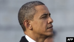 Tháng 8 năm ngoái, Tổng thống Obama kỷ niệm sinh nhật thứ 50, một số hình ảnh cho thấy tóc ông bạc hơn và mặt có nhiều nếp nhăn hơn so với ngày đầu vào Tòa Bạch Ốc