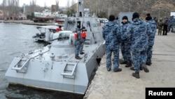 Украинский катер «Никополь» в порту Очаков, Украина. 20 ноября 2019 г.