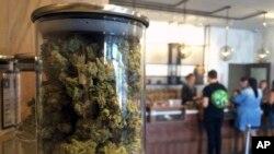 Una versión de esta enmienda se quedó a 2 puntos porcentuales de ser aprobada en el plebiscito de 2014 en este estado, aunque un año después se aprobó el uso de la marihuana para enfermos terminales.