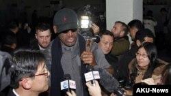 AQSh sobiq basketbolchisi Denis Rodman Shimoliy Koreyada, 26-fevral, 2013-yil.