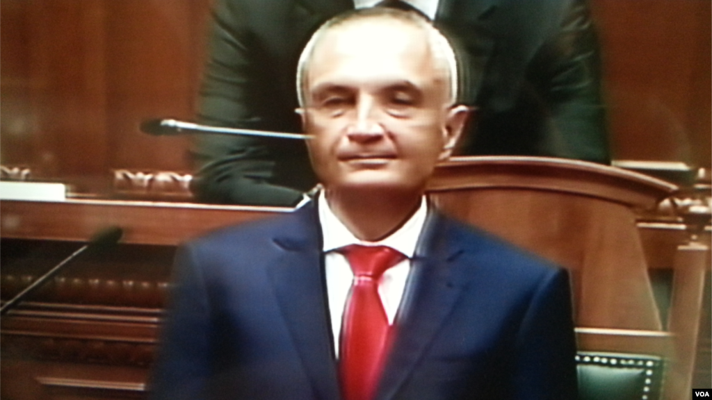Tiranë  Presidenti i ri i Republikës  Ilir Meta  u betua në parlament