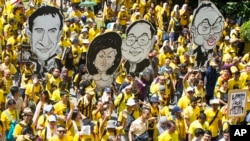 រូបឯកសារ៖សកម្មជនរបស់សម្ព័ន្ធដើម្បីភាពស្អាតស្អំនិងការបោះឆ្នោតដោយយុត្តិធម៌ ហៅកាត់ចលនា Bersih ធ្វើការដើរក្បួនជាសាធារណៈនៅក្នុងទីក្រុងគូឡាឡាំពួ កាលពីថ្ងៃទី១៩ ខែវិច្ឆិកា ឆ្នាំ២០១៦។