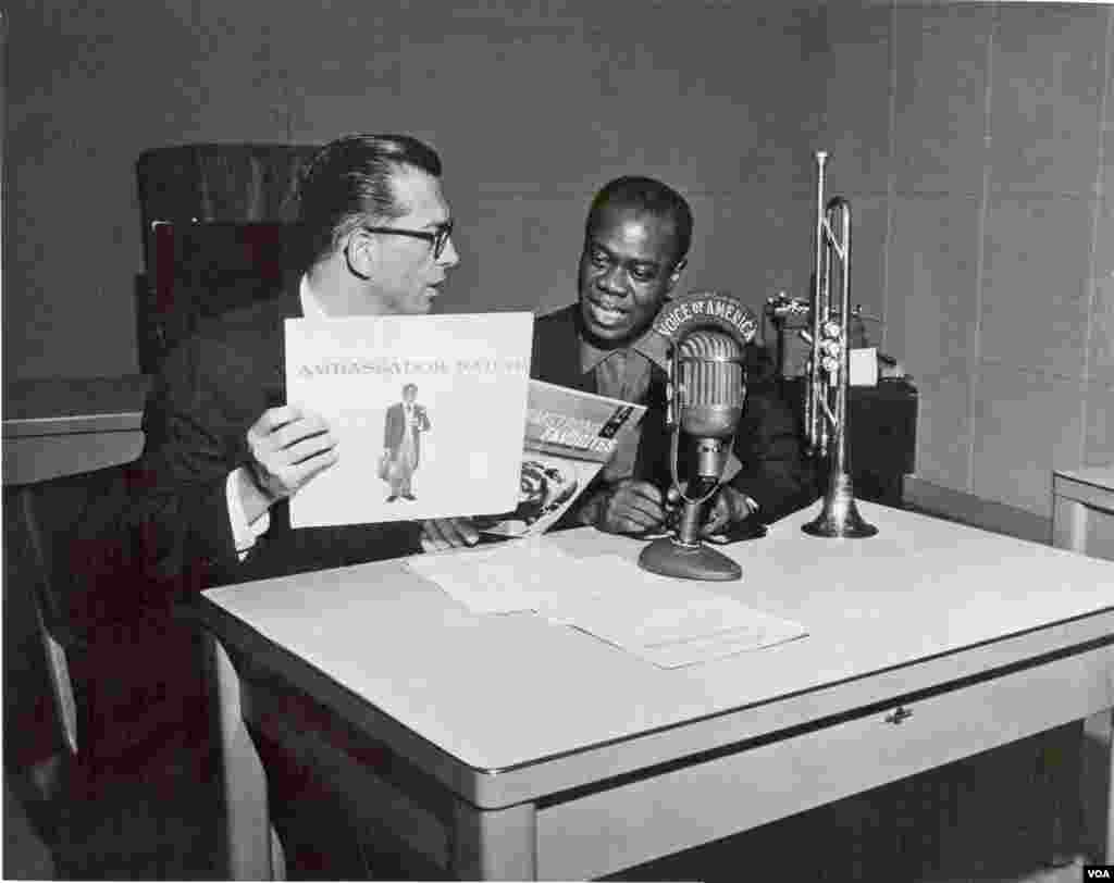 Louis Armstrong (Satchmo) in Willis Conover's studio