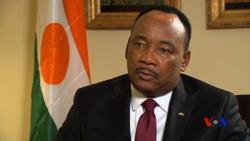 Issoufou salue les résultats du 1er tour de la présidentielle au Niger