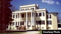 Oatlands Historic Home and Gardens in Leesburg, Virginia
