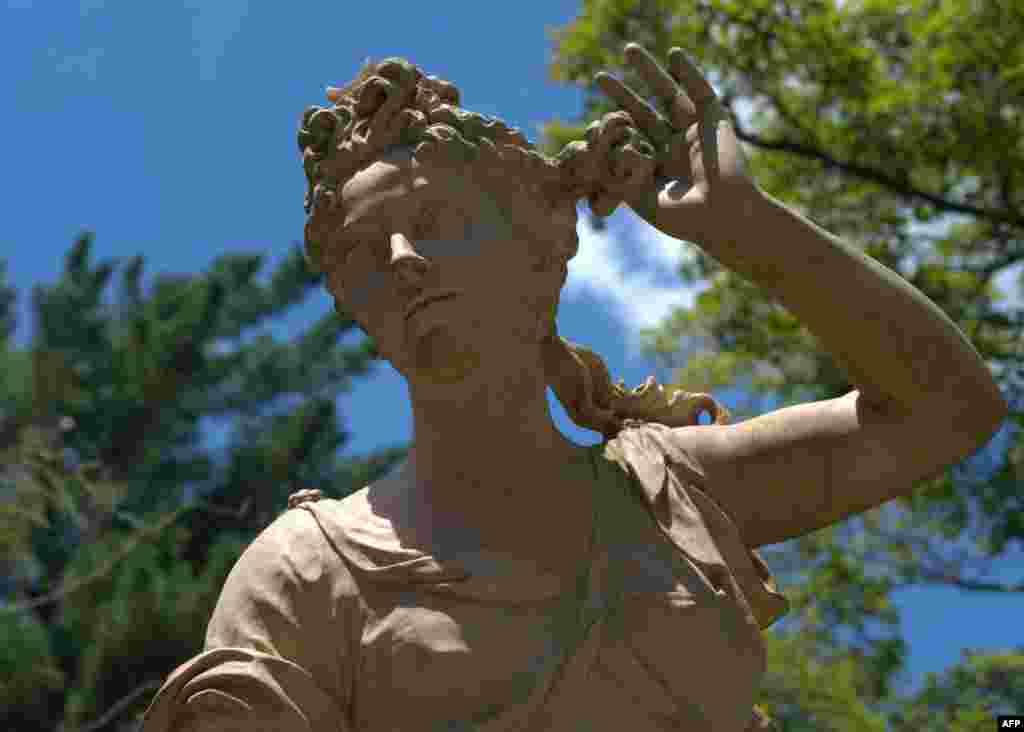 Статуя Дианы – богини охоты