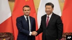 Presiden Perancis Emmanuel Macron saat bertemu Presiden China Xi Jinping di Beijing, 6 November 2019 lalu (foto: dok).