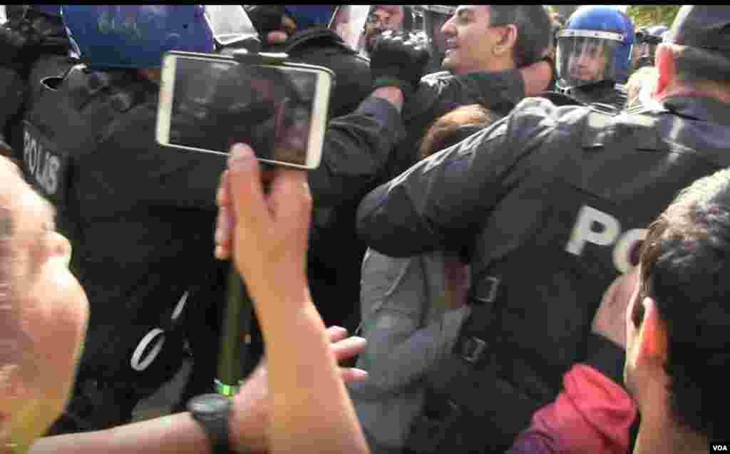 AZXP sədri Əli Kərimli polis tərəfindən saxlanılır
