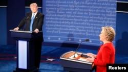 Hillary na Trump mu kiganiro c'impari