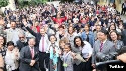 شهردار مکزیکوسیتی قانون جدید یونیفرم مدارس را اعلام کرد
