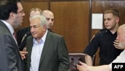 Доминик Стросс-Кан может выйти из тюрьмы в пятницу