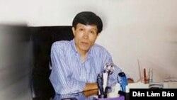 Mwandishi maarufu wa blog, Nguyen Huu Vinh.