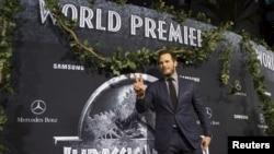 """Chris Pratt posa en la premiere of """"Jurassic World"""" in Hollywood, California, el 9 de junio de 2015."""