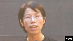 台湾台湾妇女救援基金会执行长康淑华(美国之音张永泰拍摄)