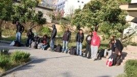 Bllokohen refugjatë dhe drogë në kufirin Shqipëri-Greqi