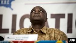 Norbert Basengezi réagit lors de l'annonce du nouveau calendrier électoral pour l'élection présidentielle de décembre 2018 du 5 novembre 2017 à Kinshasa.