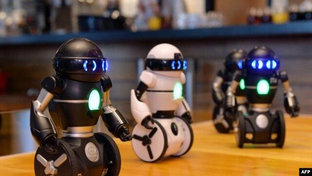 "Robot hai bánh ""MiP"""