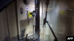 Robotlar Fukişimada radiasiyanı ölçüblər