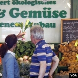 Warga di kota Munich Jerman berhati-hati saat berbelanja sayuran. Pemerintah Jerman menuduh sayuran impor asal Spanyol pembawa bakteri E. Coli.