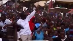 Besigye aachiliwa na polisi Kampala