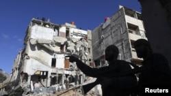 20일 시리아 다마스쿠스 인근에서 정부군의 공습으로 파괴된 건물. (자료사진)