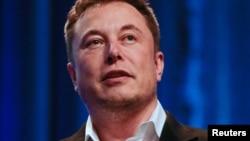 ARCHIVO - El CEO de Tesla y SpaceX, Elon Musk, durante una conferencia en Los Angeles, California. 8-11-18. REUTERS/Kyle Grillot.