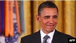 Tổng Thống Obama trong buổi lễ truy tặng huân chương cho 2 binh sĩ Mỹ thiệt mạng trong chiến tranh Triều Tiên