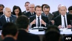 Perezida w'Ubufaransa, Emmanuel Macron, arongoye inama ku kibazo co gutunganya amatora muri Libiya i Paris, Itariki 29/05/2018.