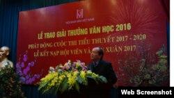 Chủ tịch Hội nhà văn Việt Nam Hữu Thỉnh đột ngột thông báo sẽ 'Mời tất cả các nhà văn hải ngoại, kể cả những người đã cầm bút phục vụ chế độ cũ, về dự 'Hội nghị hòa hợp dân tộc' dịp giỗ tổ Hùng Vương'.