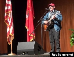 When Country Joe McDonald sang his anti-Vietnam war protest song, I Feel Like I'm Fixin' to Die Rag, at the Woodstock Festival in upstate New York in August 1969, it drew loud cheers and soon became one of the main anthems of the anti-war movement.