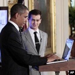 Le président Obama discutant de l'économie, via Twitter, le 6 juillet 2011