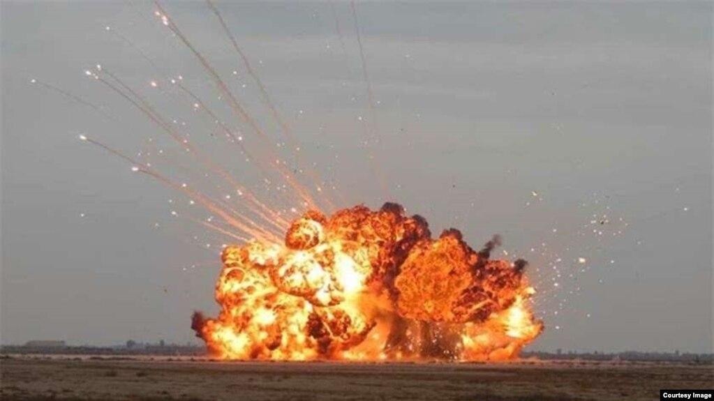 """""""Cha của các loại bom"""" (Father of all Bombs- viết tắt là FOAB) do Nga chế tạo, nặng gấp 4 lần """"Bom Mẹ"""" """"GBU-43/B - MOAB"""" của Mỹ."""