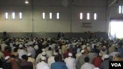 Tahun ini sebagian besar masyarakat muslim di AS akan merayakan lebaran dan melakukan shalat Idul Fitri pada hari Jumat, tanggal 10 September 2010.