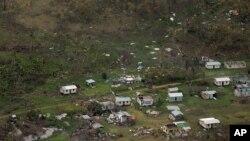 Fotografía aérea de la fuerza de defensa de Nueva Zelanda muestra los destrozos en la comunidad de Nakama, Fiji, tras el paso del ciclón Winston