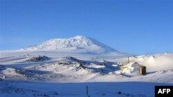 Eksplorimi i Arktikut, shkencëtarët kërkojnë shenja jete nën shtresat e Antarktidës