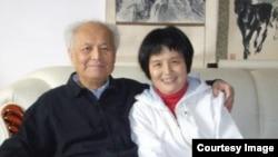 李南央和父亲李锐数年前合影(资料照)