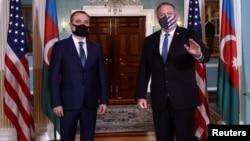 Майк Помпео в с министром иностранных дел Азербайджана Джейхуном Байрамовым