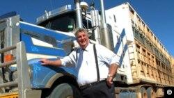 Thượng nghị sĩ Australia Ron Boswell