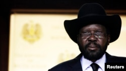 Presiden Sudan Selatan, Salva Kir mengumumkan dekrit untuk merombak pemerintahannya dengan memecat Wapres dan seluruh kabinetnya, Selasa, 23 Juli 2013 (Foto: dok).