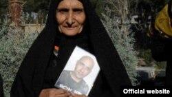 مادر ستار بهشتی، وبلاگ نویسی که در زندان درگذشت