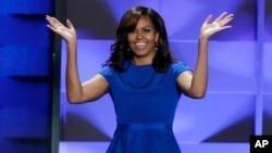 La primera dama, Michelle Obama, habló sobre sus hijas como la razón para votar por Hillary Clinton.