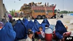 براساس گزارش اداره مهاجرت ملل متحد در سال گذشته ۳۷۵ هزار افغان از پاکستان به کشورشان عودت کرده بودند.