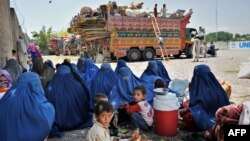 با وجود برگشت هشت میلیون مهاجر افغان به کشورشان، هنوز هم در حدود شش میلیون دیگر در کشورهای مختلف مهاجر اند