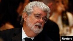 El director y productor George Lucas logró notoriedad internacional al crear la saga Star Wars (Guerra de las Galaxias) en 1977.