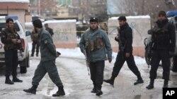 Службовці поліції на місці атаки біля будинку Верховного суду в Кабулі