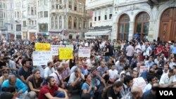 伊斯坦佈爾部份市民靜坐示威