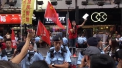 香港本土派与亲中团体旺角街头对阵