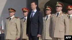 Президент Башар Асад и его генералы