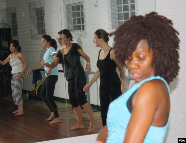 Ephraim's current dance classes are attended by expatriates in Johannesburg. (Photo: Darren Taylor for VOA)