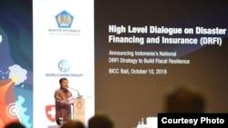 Wakil Presiden Jusuf Kalla memaparkan pengalaman Indonesia menangani bencana sejak 2004 dalam Pertemuan IMF-Bank Dunia di Bali, Rabu, 10 Oktober 2018. (Foto: Humas Kemenkeu RI)